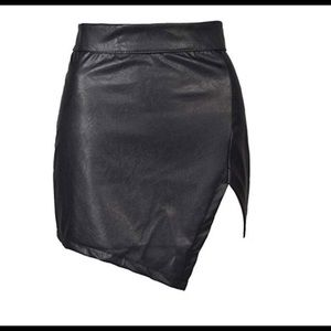 Dresses & Skirts - Faux leather mini skirt high waisted